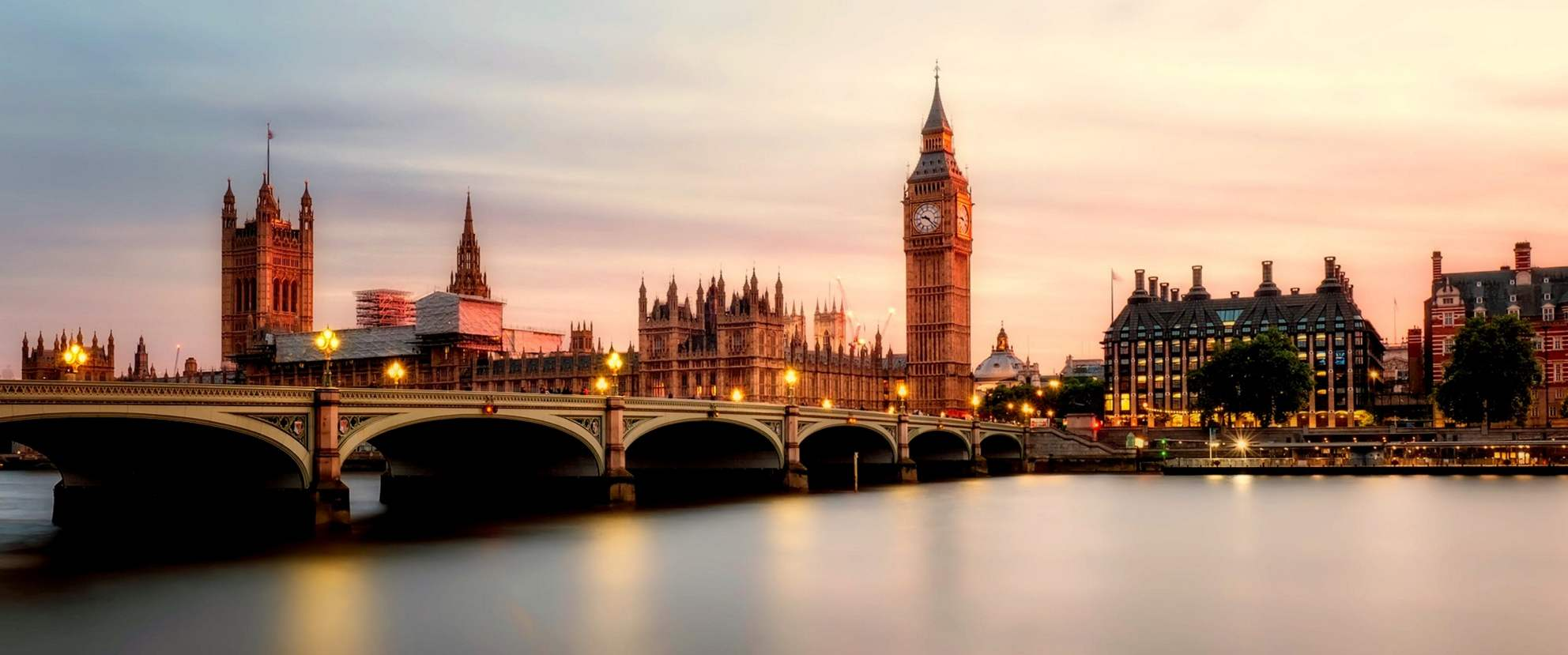 Best pre-wedding photoshoot destinations in UK